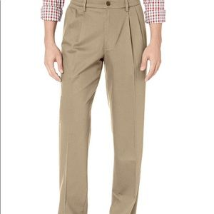 Men's Docker Signature Khaki Lux Classic Pants